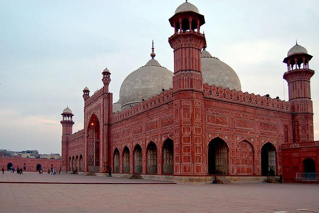 badshahi-masjid